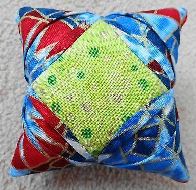 """Brand New Hand Made Exquisite """"cathedral Window"""" Pin Cushion -100% Cotton Fabric"""