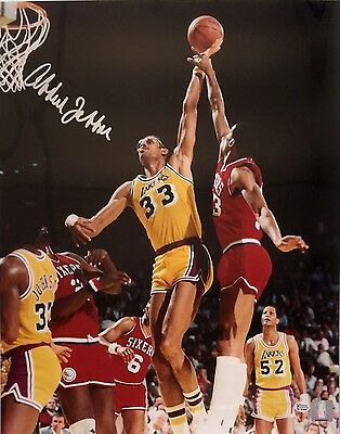 Kareem Abdul-Jabbar Signed Los Angeles Lakers 16x20 Photo JSA