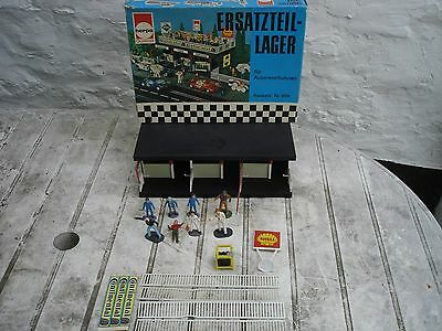 Ersatzeillager Pit Stand Herpa Kit Build With Scalextric Figures 1/32 Scale