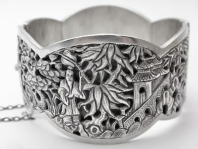 Antique chinese Sterling silver bracelet decorated in openwork