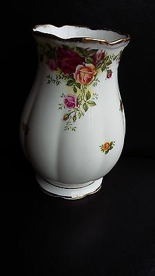 """Royal Albert Old Country Roses 6.75"""" Vase..first Quality"""