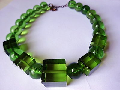 Vintage Fabulous Green Lucite Bead Chocker Necklace