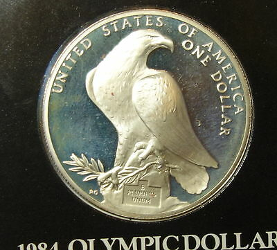 Usa : 1984 Olympic Dollar. 0.900 Fine Silver.  In Display Case.
