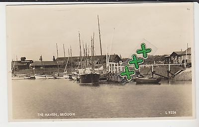 Valentines Photo L9224 Postcard - The Haven, Brough ( Hear Hull)