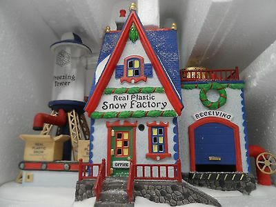 Department 56 North Pole Series Real Plastic Snow Factory W/ Box Excellent