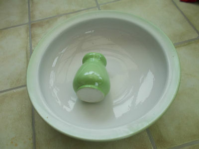 Large Green Vintage Wash Bowl and Vase COLLECT ONLY