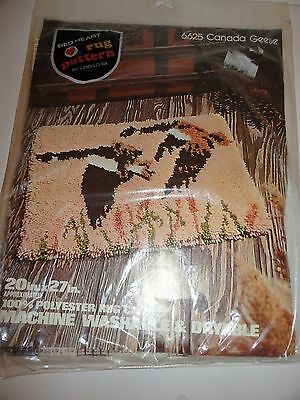 """RED HEART RUG PATTERN CANVAS #6625 CANADA GEESE 20x27"""" SEALED FOR LATCH HOOK"""