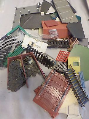 Assorted Pieces & Parts for HO Scale Train Models Accessories Repair Items