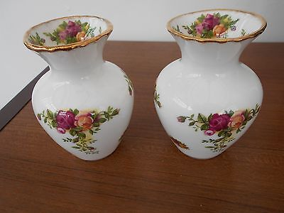 ROYAL ALBERT OLD COUNTRY ROSES - Small Posy Vases x 2