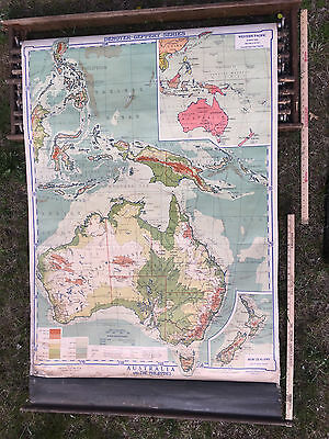 Vintage 1938 Denoyer Geppert Australia School House Pull Down Cloth World Map