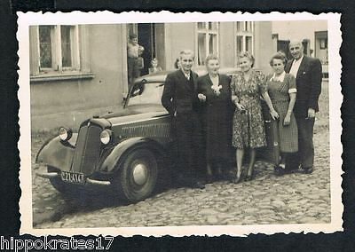 FOTO vintage PHOTO, Personen Auto Oldtimer people car personnes voiture /96