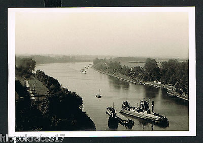 FOTO - PHOTO, Panorama Fluss Kanal Schiffe  Ort unbekannt town city unknown /85
