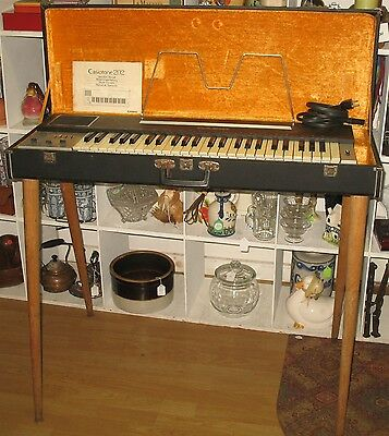 Vintage Casiotone 202 Electronic Musical Instrument Keyboard with Case