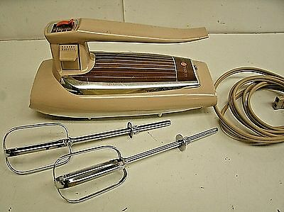 Vintage GE General Electric Hand Mixer NO. 30M47 - 3 SPEED  ALMOND Color WORKS
