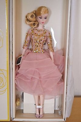 2017 Gold Label Silkstone BFMC BLUSH & GOLD Cocktail Dress Barbie - NEW RELEASE