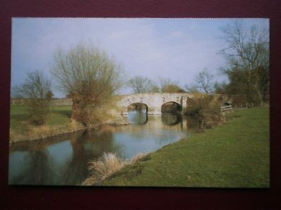 Postcard B11 Buckinghamshire The River Thames At Ickford Showing Bridge Over