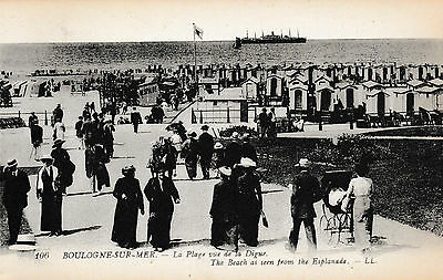 Boulogne-sur-Mer - Beach viewed from Esplanade, lots of bathing  - old post card