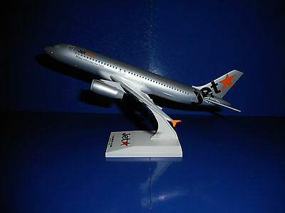 JETSTAR AIRWAYS AIRBUS A320-200 AIRCRAFT MODEL - Scale 1:150
