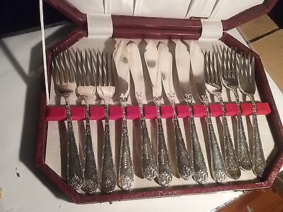 Boxed Vintage Silver Plated Fish Knives & Forks Cutlery Set for 6 - RODD