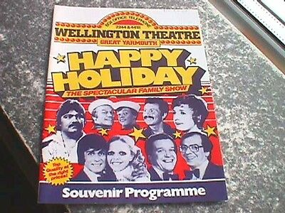 Wellington Theatre, Great Yarmouth - Happy Holiday Programme, 1982
