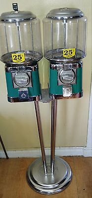 2  classic round beaver candy gumball machine new keys and chrome stand