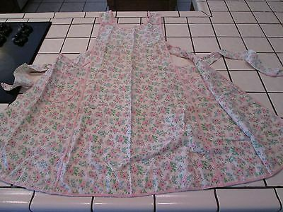 Vintage 1950's-60's Handmade Full APRON w/ 2 Pockets FLORAL PINK