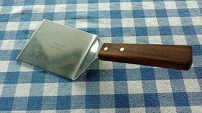 "FORSCHNER, SPATULA, stainless steel, walnut wood handle, riveted, 4 x 4"" blade"