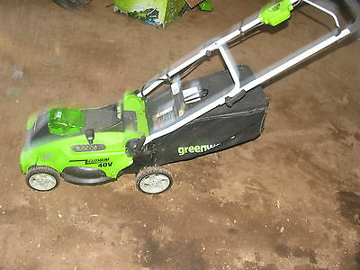 Greenworks G-MAX 40V Li-Ion 16-Inch Cordless Lawn Mower with battery
