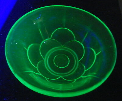 Green Uranium Glass 12cm Petal Patterned Bowl