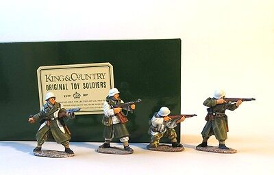 King & Country WWII German Panzer Grenadiers Attacking.WS017W.Winter WS17 Waffen