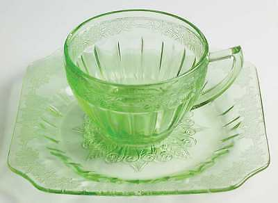 Jeannette Glass ADAM GREEN Round Cup & Square Saucer 7009910