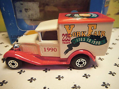 Matchbox Model MB38  York Fair 1990  White  Van  Red Roof  small  Scale