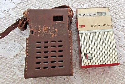 **vintage Channel Master Transistor Radio In Carry Case**