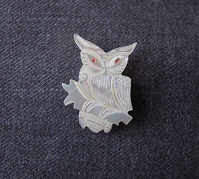 Vintage Red Eyes Carved Mop Mother Of Pearl Owl Pin