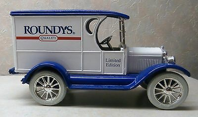 ERTL Limited Edition Roundy's Quality 1923 Chevorlet Delivery Van BANK