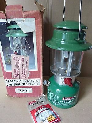 Coleman 321B white gas Lantern - made in Canada 1981 fully tested - Nice!