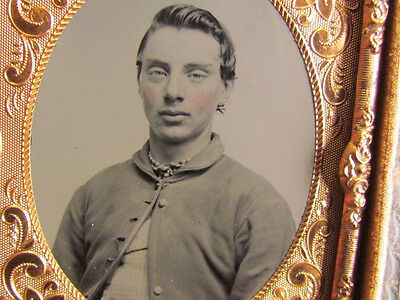 young Civil War soldier tintype photograph & case