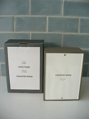 BRAND NEW IN BOX - COUNTRY ROAD BENNETT PHOTO FRAME - PHOTO SIZE 5 x 7 inches