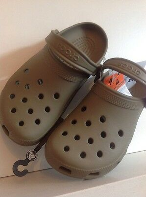 Crocs Classic Sandals UK Size 7 Khaki BRAND NEW WITH TAGS
