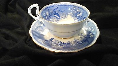 Royal Standard Old Chelsea Cup & Saucer. England  blue and white