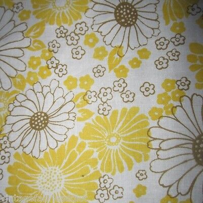 Vintage Fabric Quilt Craft Sew Dress Yellow Daisy Cotton Sheeting 1960S Retro Fq