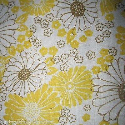 Vintage Sheet Fabric Quilt Craft Sew Dress Yellow Daisy Cotton 1960S Retro Fq