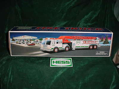 Great Graduation  Fathers Day Gift Xmas 2000 Hess Fire Truck Mib Never Displayed