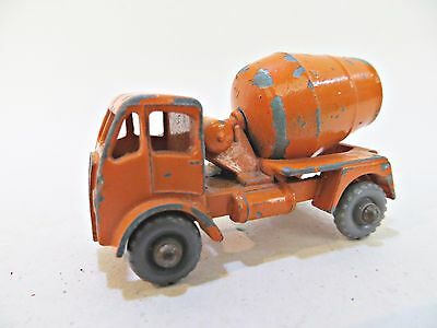 MATCHBOX 26a ERF CEMENT MIXER. VINTAGE 'MOKO'. 26. COMPLETE. GREY PLASTIC WHEELS