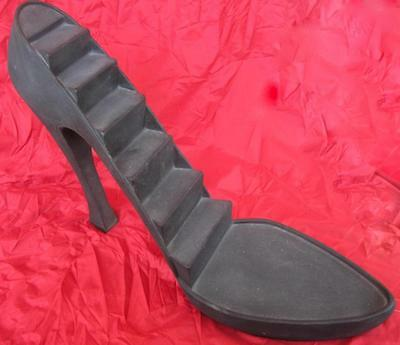 Just the Right Shoe Large Black Stiletto Shoe Display Raine Willitts Very Nice