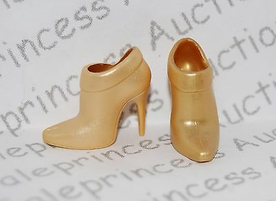 NEW Barbie Basics Collection 2.5 Look 02 Doll Gold Shoeties Shoes Boots Muse Loo