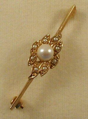 9 ct GOLD HALL MARKED  CULTURED PEARLS BROOCH PIN