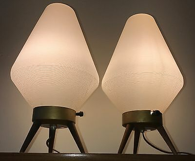 Pair Vtg 60s Ribbed Plastic Beehive Lamps Retro Mid Century Modern Tripod Atomic