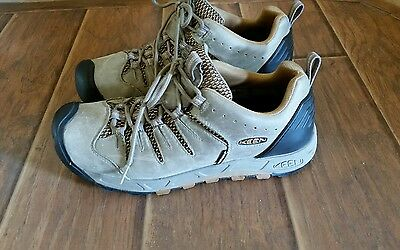 Keen Hiking Camping Shoes Mens  Size 8.5 Keen Dry Technology good condition