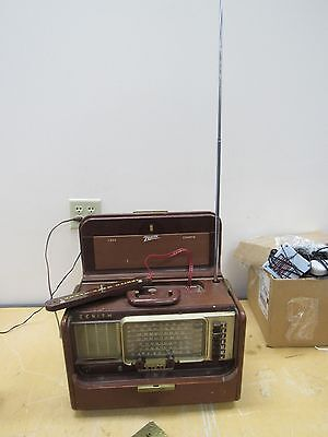 Vintage Zenith Y600 Trans-oceanic Radio with manual Works Great